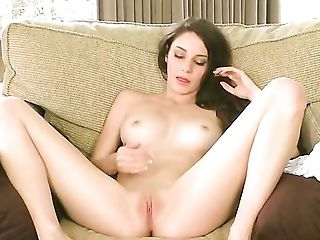 Rilee Marks gives a closeup of her slit as she masturbates