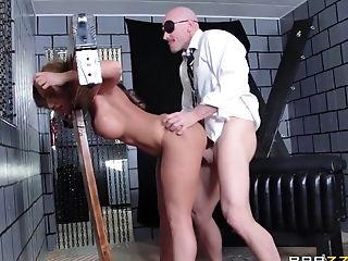 Jackhammering Richelle Ryan