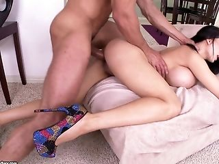 Busty bombshell Amy Anderssen is good at shagging