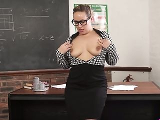 Nerdy chubby MILFie prof Ashley Rider is eager to fingerfuck herself