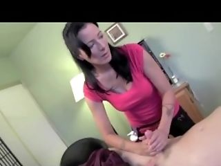 Zoey Holloway - Massage therapist