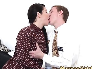 Mormon slut gets cumshot