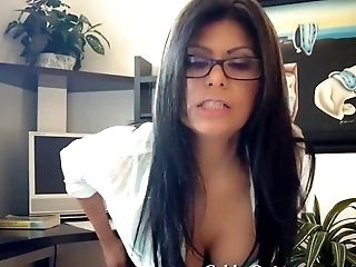 Horny CPA Gabby Quinteros Gets Pussy Relief