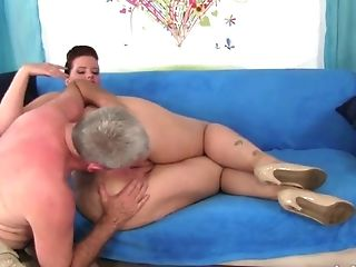 This old man is in awe of Amanda's booty and he wants to fuck this slut hard