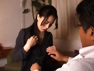 Cum loving Japanese wife Inoue Ayako enjoys sucking dick of her hubby