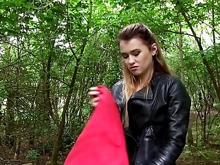 Curvy cutie does some quick cock riding in the green forest