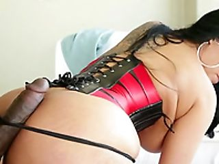 Kiara Mia Deals with Big Black Cock of Lexington Steele POV