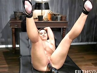 Strong fucking machine solo experience for the hot mature