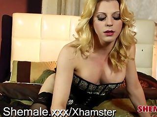 Kinky Tyra Scott