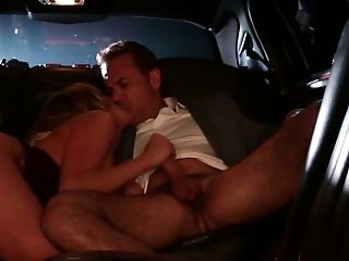 Seductress Stormy Daniels gives great blowjob in the backseat