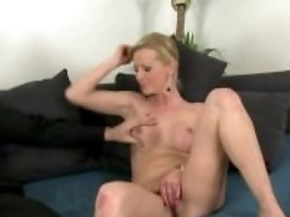 FakeAgent Horny blonde babe gets pretty face covered in Jizz